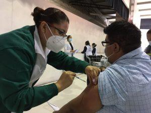 vacunacion-maestros-la-voz-de-queretaro